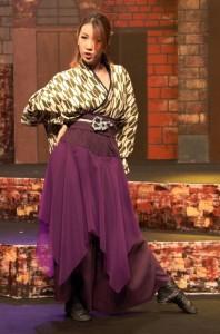 ジャズダンスを踊る講師のMarina